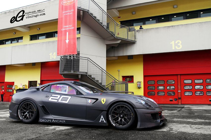 2012 flat black Ferrari Ferrari Challenge | From California to Italy
