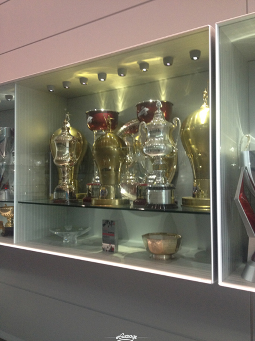 trophies McLaren MP4 28 Reveal