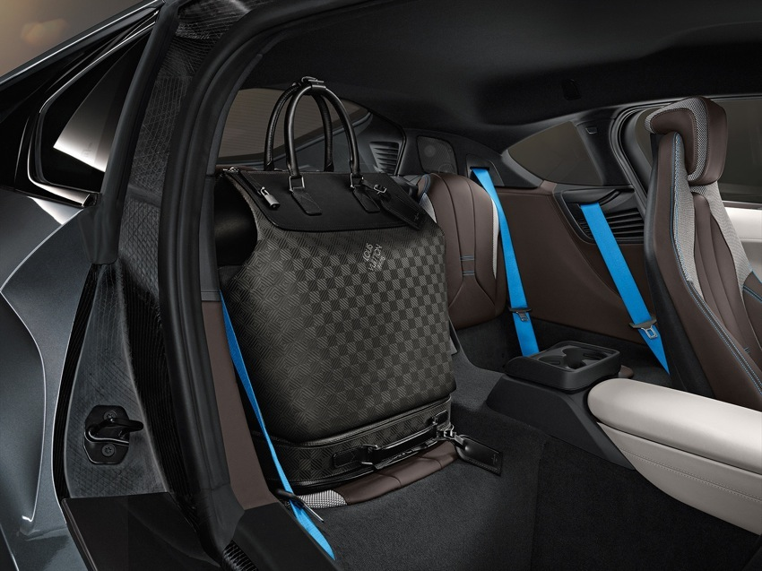 P90144149 highRes BMW i8 Louis Vuitton Luggage